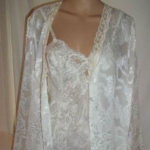 Victoria's Secret 2 Pc Set(Chemise&Robe)-Ivory-M/L